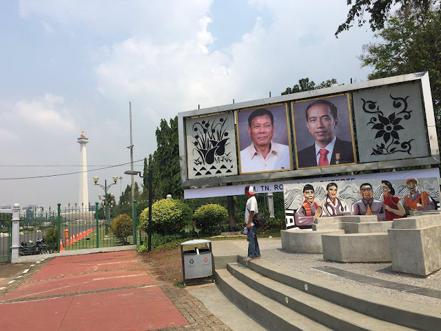 Duterte's Portrait Displayed At The Indonesia National Monument In Anticipation For His Arrival! LOOK!