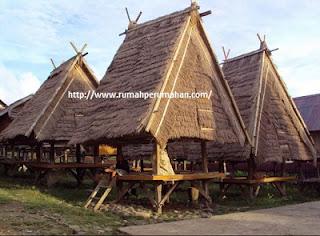 Desain Bentuk Rumah Adat Bima dan Penjelasannya, Uma Lengge, Rumah Tradisional Bima, Wisata Budaya