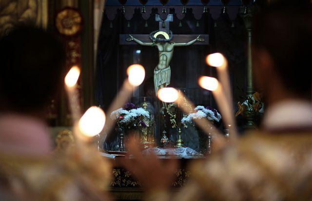 Από το Άγιο Φως στον νέο διωγμό