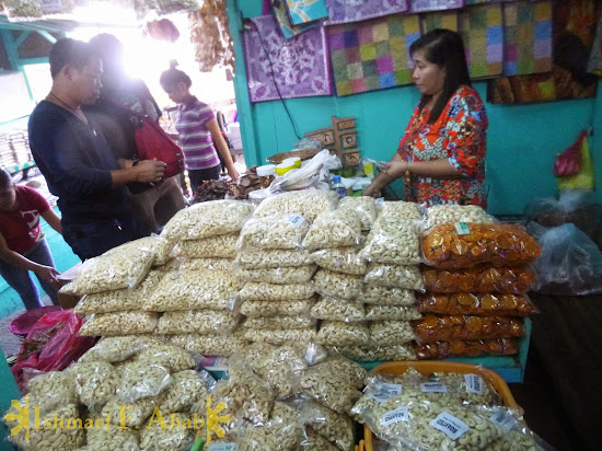 Nuts for sale in Puerto Princesa Public Market