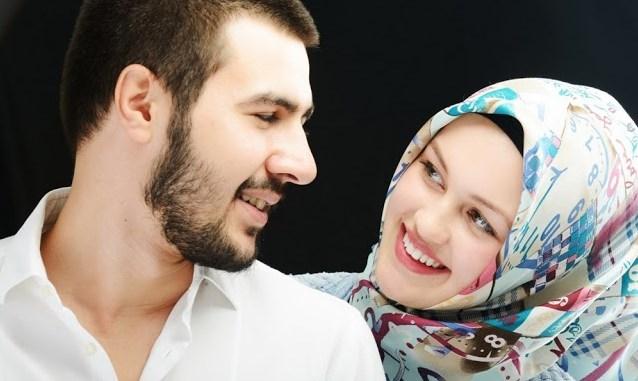 Cara Mengungkapkan Rasa Cinta dan Kasih Sayang Pada Suami Lebih Istimewa Cukup Berkesan