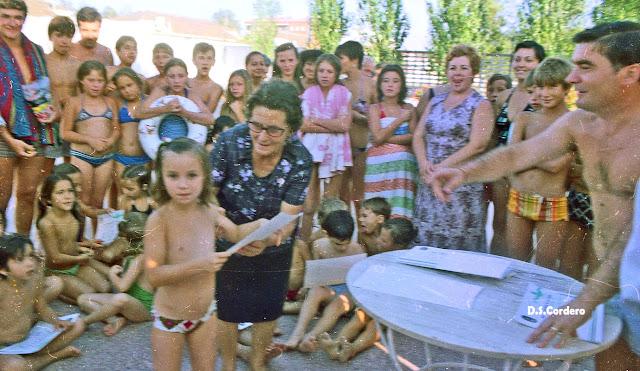 Cachos de vida diplomas cursos de nataci n for Piscina don benito