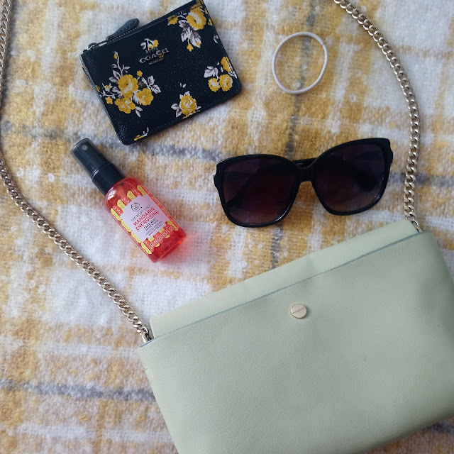 Holiday Handbag Essentials