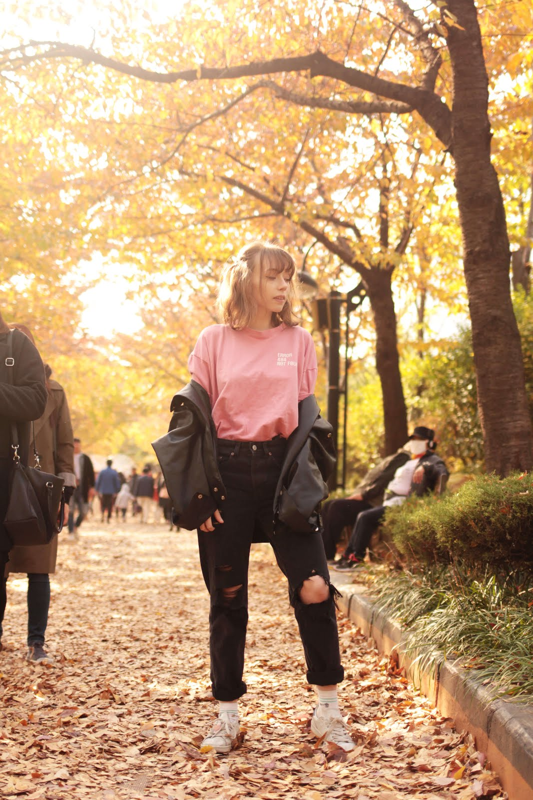autumn outfit inspiration millennial pink and black
