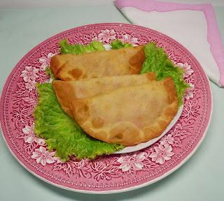 Empanadillas de Tofu, Cebolla Confitada y Pimiento Asado.