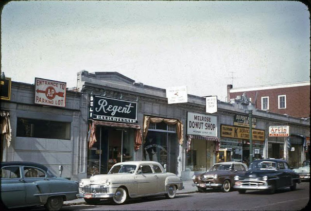 These Amazing Color Photographs Below Show What Streets Of America Looked Like In The 1950s And 1970s