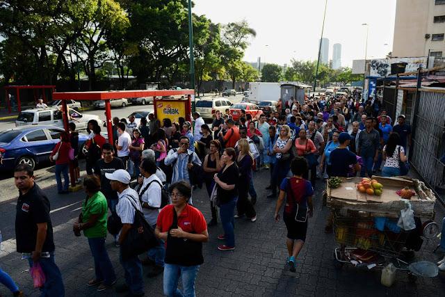 Caracas, el Metro que funciona gratis porque no hay cómo cobrarlo