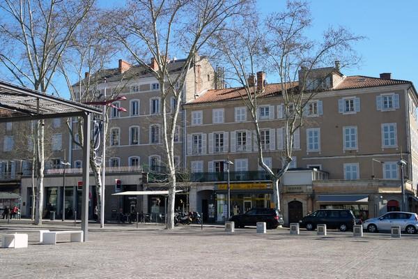 cahors place françois mitterrand