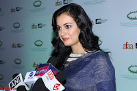 Dia Mirza in Sizzling Designer Saree at THE OLIVE CROWN AWARDS 2017 01.jpg