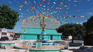 Centro da cidade de Baraúna ornamentado para realização dos festejos juninos