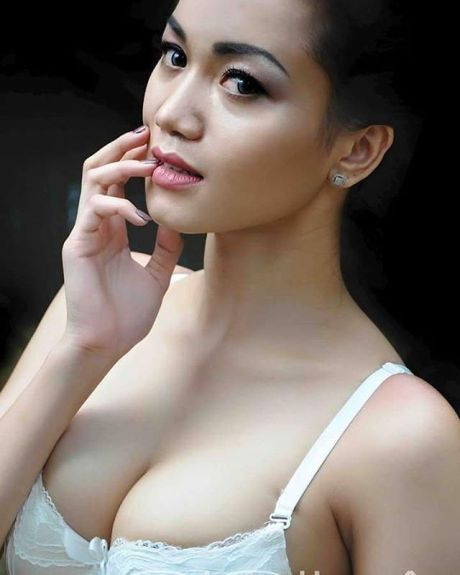 Foto Alya Dior Model Cantik