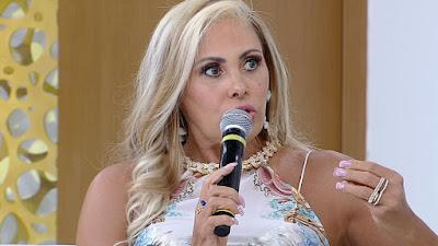"""Evangélica, Ângela Bismarchi fala ao TV Fama: """"Me arrependo muito a vida que levei"""""""