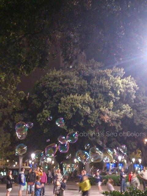 burbujas de jabón en Plaza Cataluña