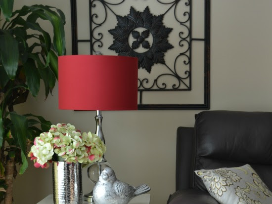 It's a keeper (a quick and easy Side Table Makeover)