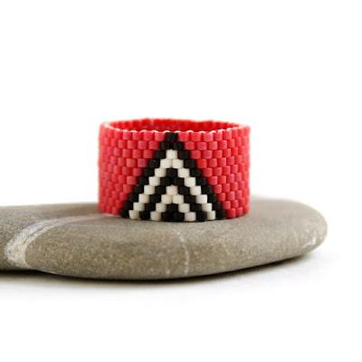 купить широкое женское кольцо из бисера купить изделия из бисера ручной работы