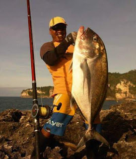 Spot Rock Fishing di Pacitan