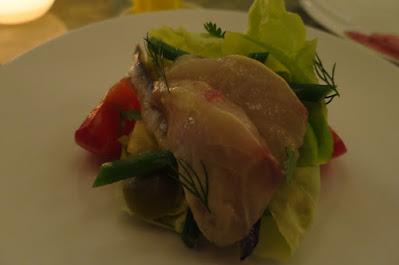 Belon, Niçoise salad with sliced shima aji