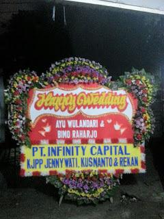 Bunga Papan Happy Wedding Di Rengas