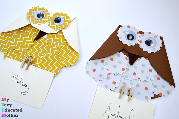 Harry Potter Craft for Kids - Paper Owl Letter Carriers! So easy to make and a fun way of delivering mail.