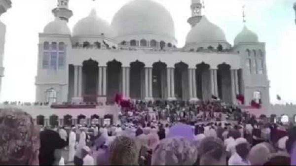 Muslim China Tentang Rencana Penghancuran Masjid oleh Pemerintah