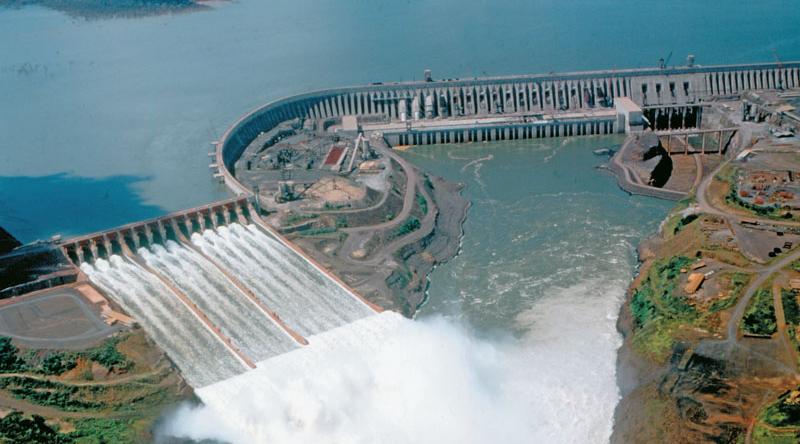 Pembangkit listrik tenaga air dna bendungan