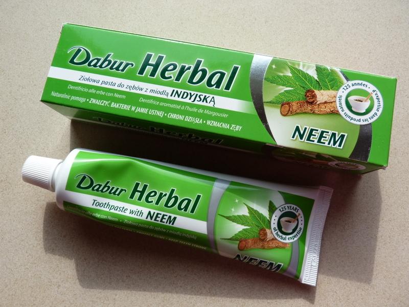 DABUR Herbal Neem - pasta do zębów z miodły indyjskej (bez zawartości fluoru)