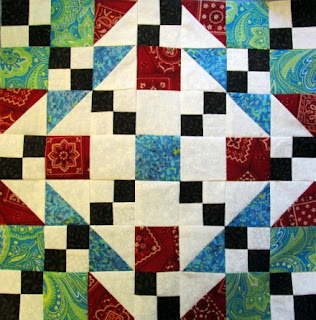 how to make a quilt pattern block of triangles and squares