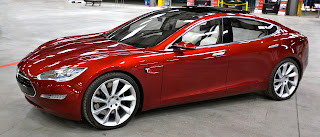 By Tesla_Model_S_Indoors.jpg: jurvetson (Steve Jurvetson) derivative work: Mariordo (Mario R. Duran Ortiz) [CC BY 2.0 (http://creativecommons.org/licenses/by/2.0)], via Wikimedia Commons