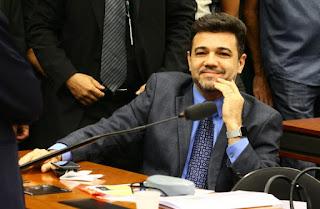 Mulher acusa Feliciano de estupro; polícia pede prisão de chefe de gabinete