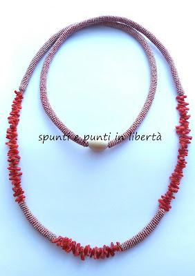 collana crochet bronzo e corallo