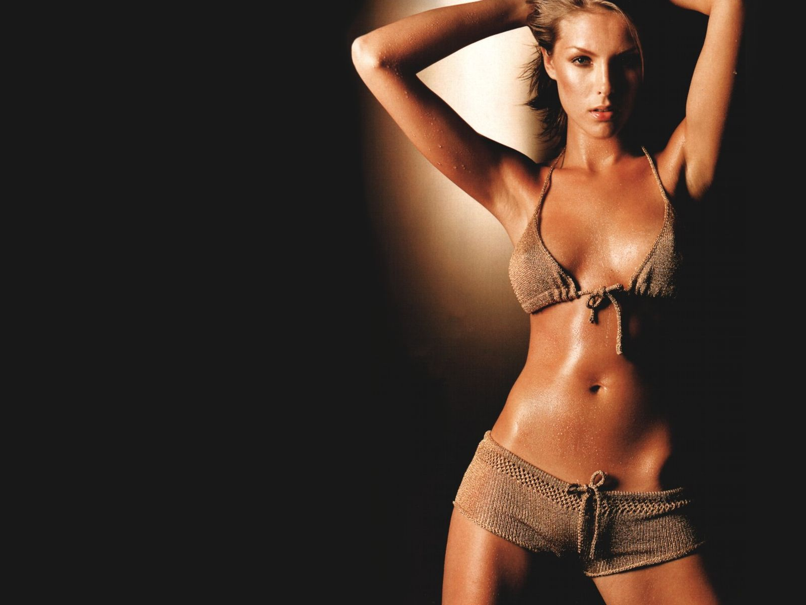 100 Pictures of Ana Hickmann Hot