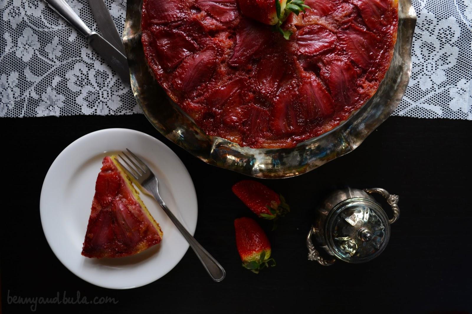 Torta Capovolta alle Fragole / Upside Down Strawberry Cake