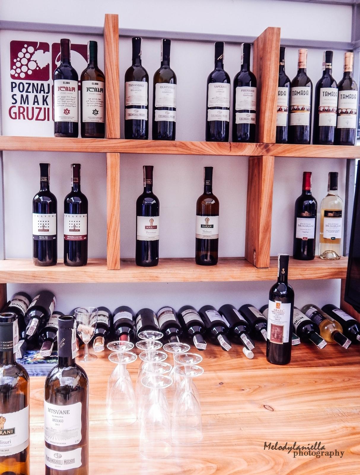 17 street food festival łódź piotrkowska 217 foodtruck jedzenie piwo wino burgery frytki cydr półsłodkie wina białe czerwone wina wytrawne i półwytrawne alma piotr i paweł