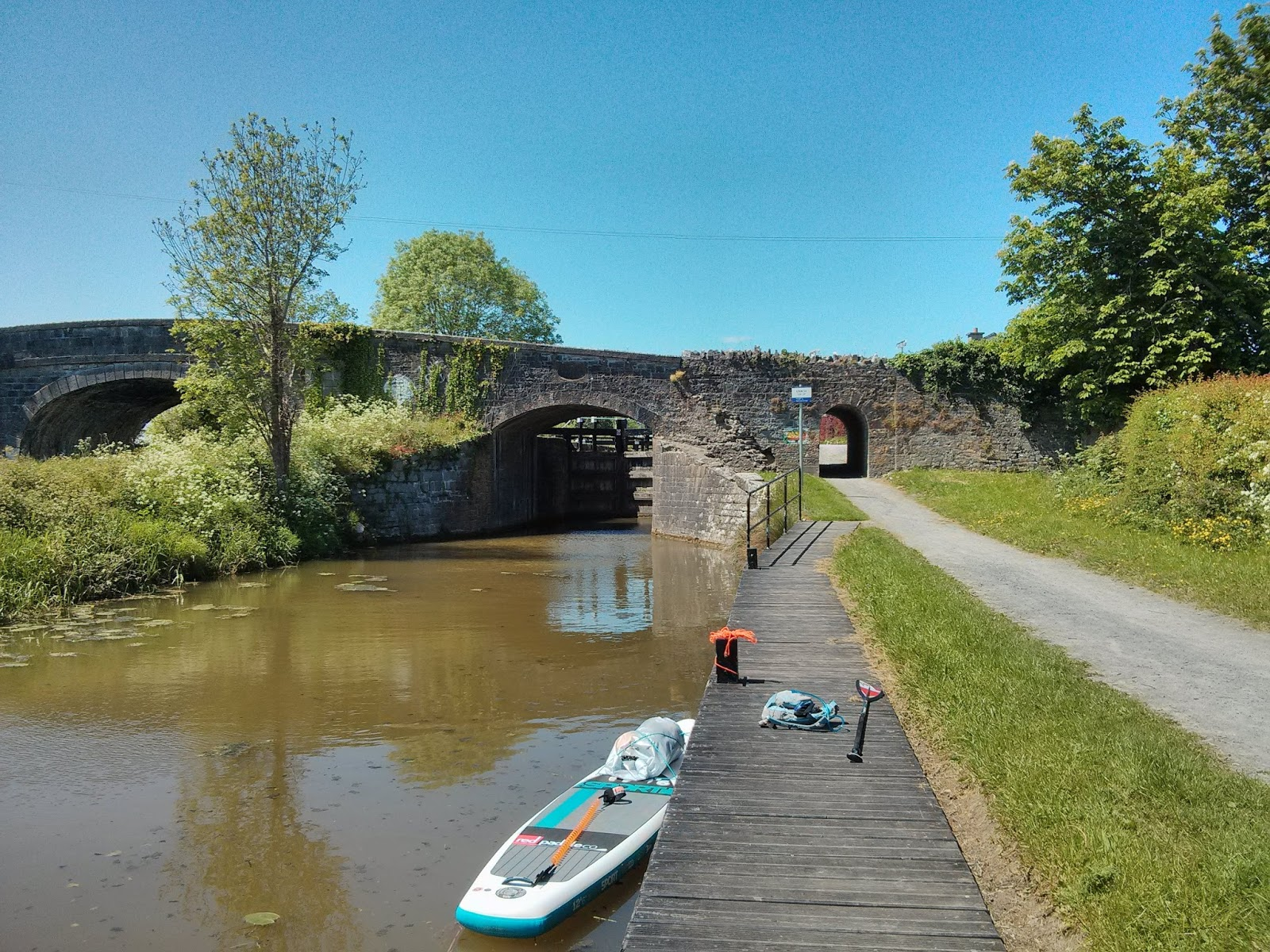 Jo Journeys The World.: Sunny SUP on the Royal Canal, Ireland