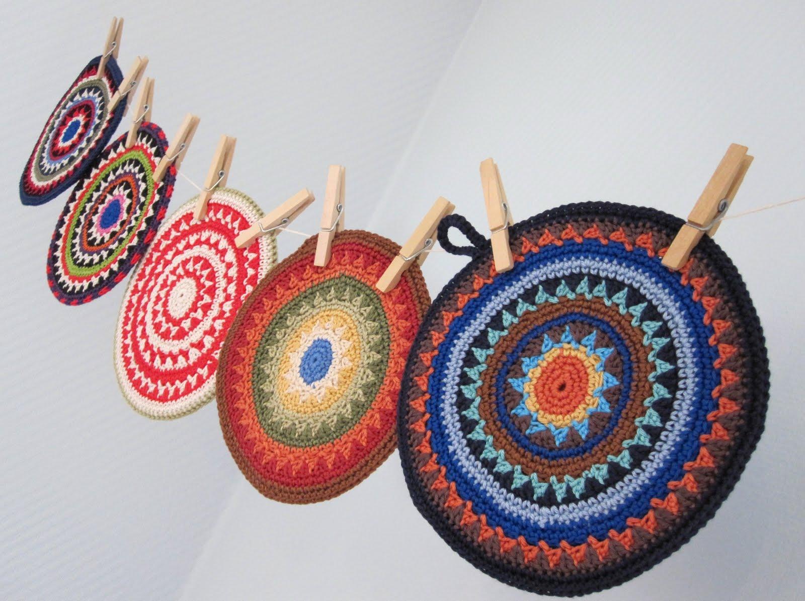 Sferruzzando Qua E Là Mandala Crochet
