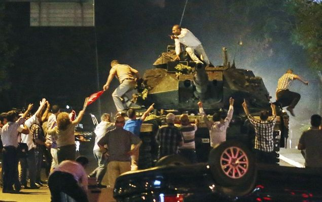 Kronologi Lengkap Upaya Kudeta oleh Tentara Darat Turki Terhadap Presiden Erdogan