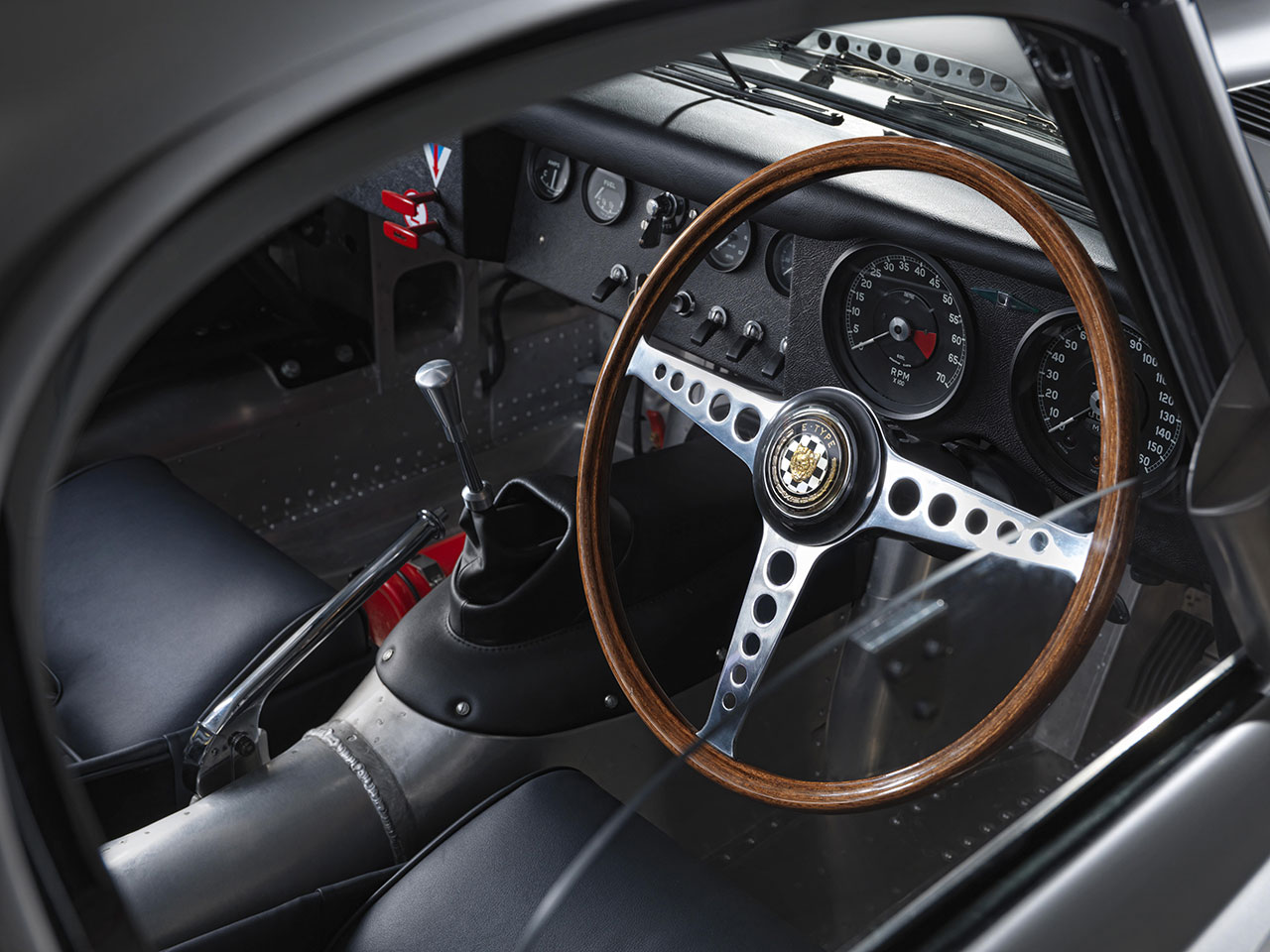Jaguar Lightweight E-Type dash