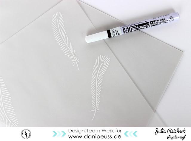 http://danipeuss.blogspot.com/2016/10/geschenke-verpacken-mit-vellum.html