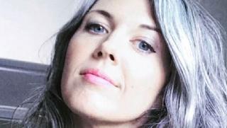 Xιλιάδες γυναίκες σε όλο τον κόσμο σταματούν να βάφουν τα μαλλιά τους