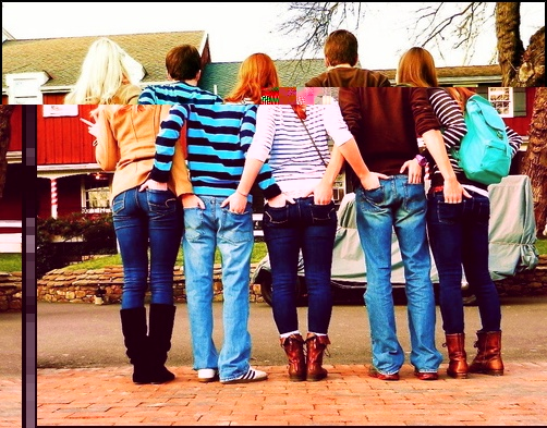 Cool Photo Ideas To Do With Friends