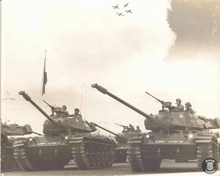 ferdinand marcos, philippine soldiers