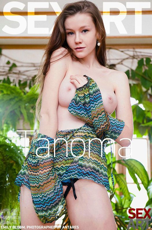 Sgl5pTiGf SexArt - Emily Bloom - Tanoma