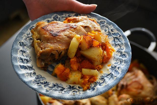 עוף שום ותפווחי אדמה בסיר chicken garlic and potato in a pot
