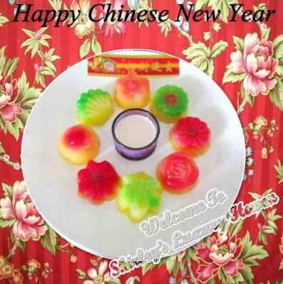 making chinese new year mango pudding flowers