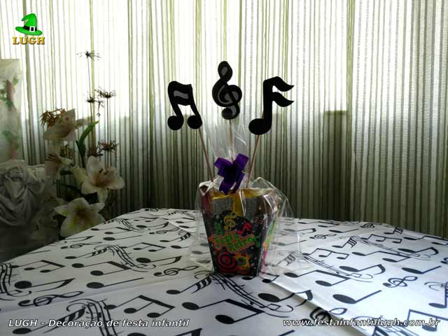 Decoração Discoteca - Enfeites e toalhas para mesa dos convidados