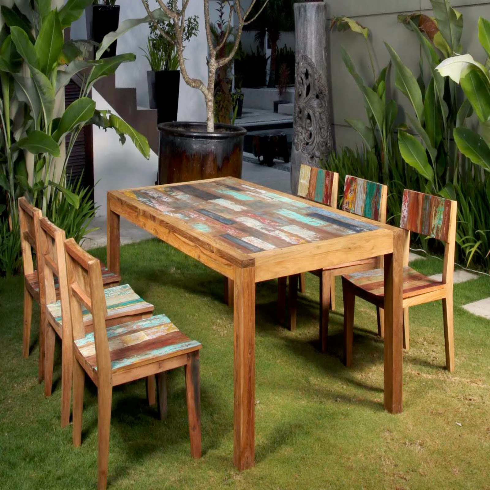 Some of the popular materials which are used for making outdoor furniture includes plastic wrought iron wicker aluminium and wood