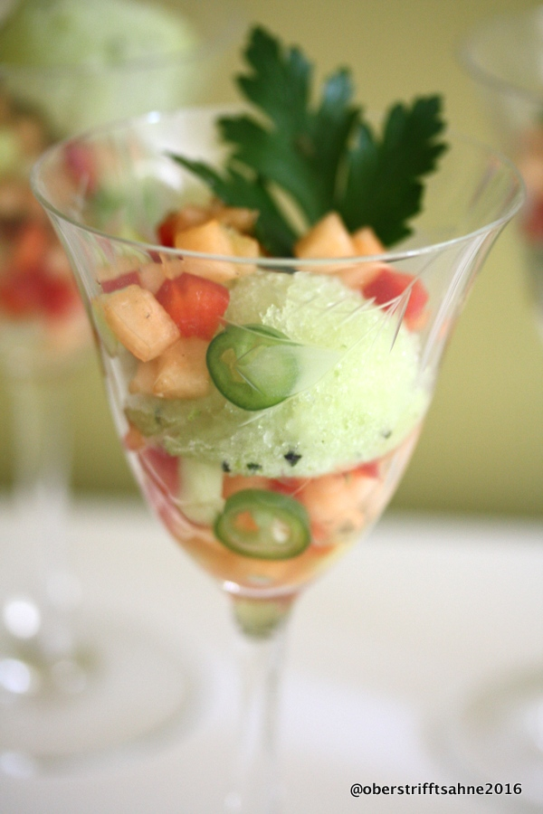 vorspeise gurken champagner sorbet mit melonen salsa. Black Bedroom Furniture Sets. Home Design Ideas