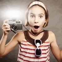 Máquina fotográfica com flash - 200x200