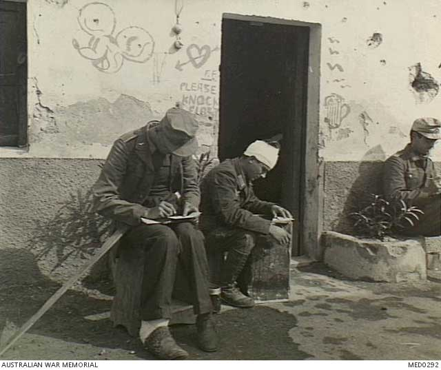 German POWs in North Africa on 10 January 1942 worldwartwo.filminspector.com