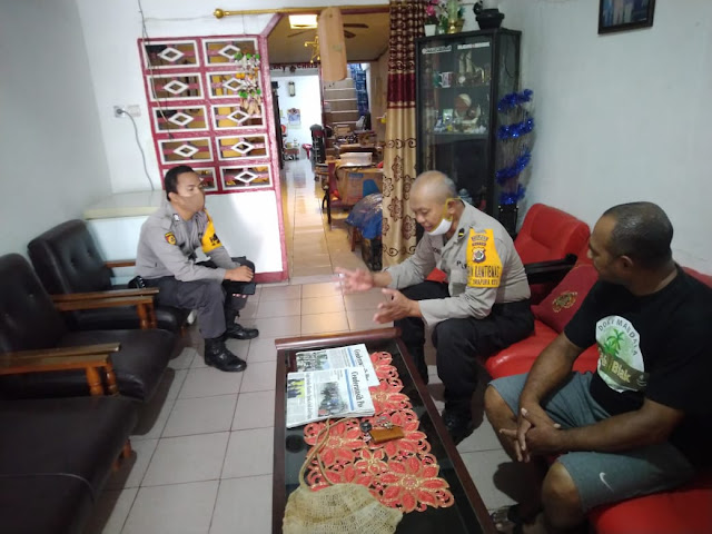 Imbau Kamtibmas, Polsek Jayapura Utara Sambangi Tokoh Masyarakat di Imbi